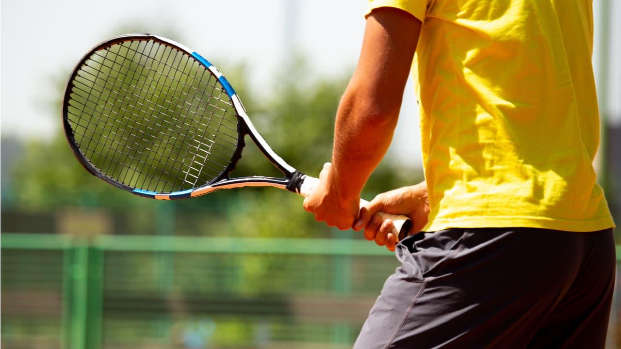 テニスの基本的なルールを知ろう!コートの種類や点数の数え